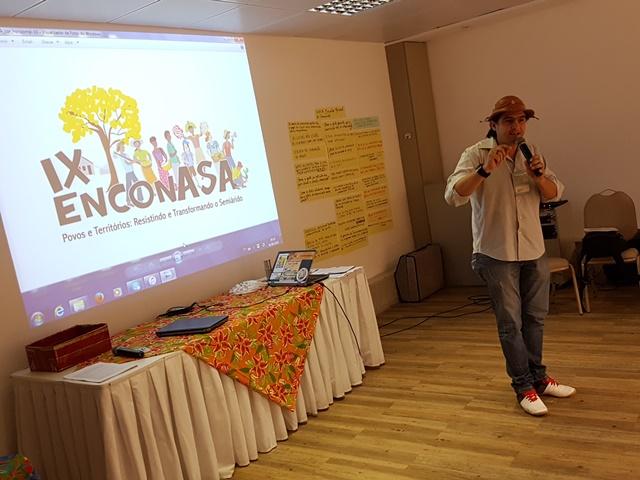 Yure Paiva, coordenador-executivo da ASA pelo estado do Rio Grande do Norte, destaca a importância do EnconASA como espaço de fortalecimento da convivência com o Semiárido | Foto: Hugo de Lima